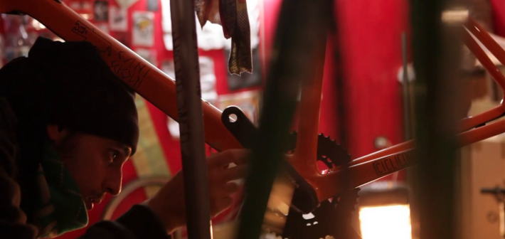 The hustling series vol. 2 – Bicycle assembling
